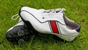 Best-Golf-Shoes-for-Beginners