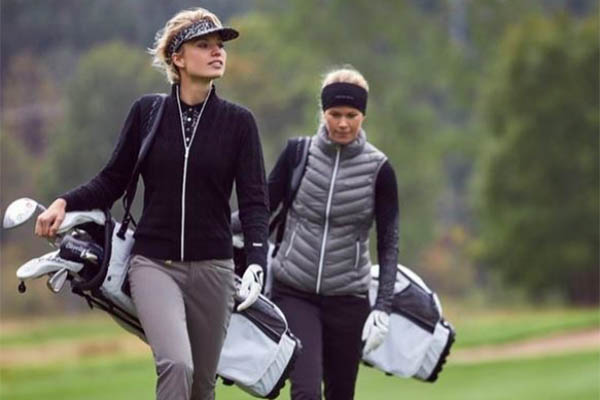 what to wear golfing women